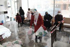 Van Umut Kervanı'ndan 510 aileye gıda yardımı