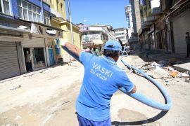 VASKİ'nin içme suyu şebeke hattı yenileme çalışmaları devam ediyor