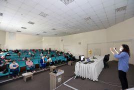 Van Büyükşehir'den bilinçli medya kullanımı semineri
