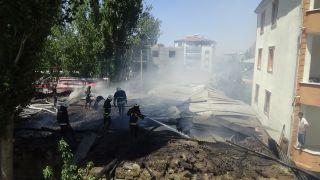 Van'da ahır yangını: 3 yaralı