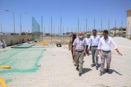 Tuşba Belediyesinden mahallelere sentetik çim saha